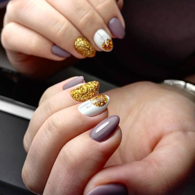 Символ года на ногтях 2020: мышки гель лаком - фото варианты