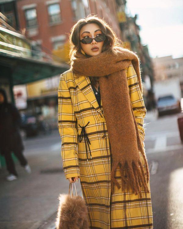 С чем носить зеленое пальто 2020 фото модные тенденции