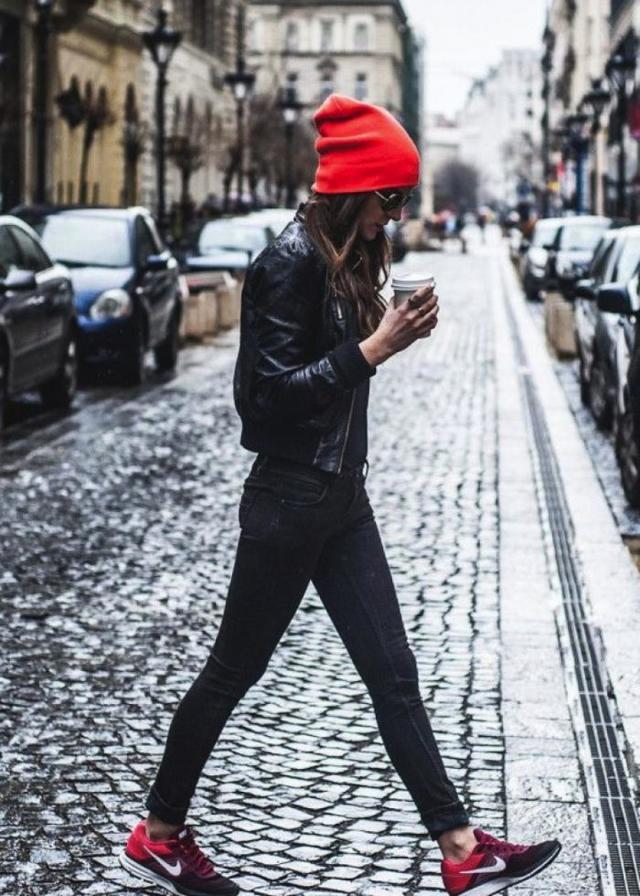 С чем носить женскую куртку бомбер 2020 фото примеры