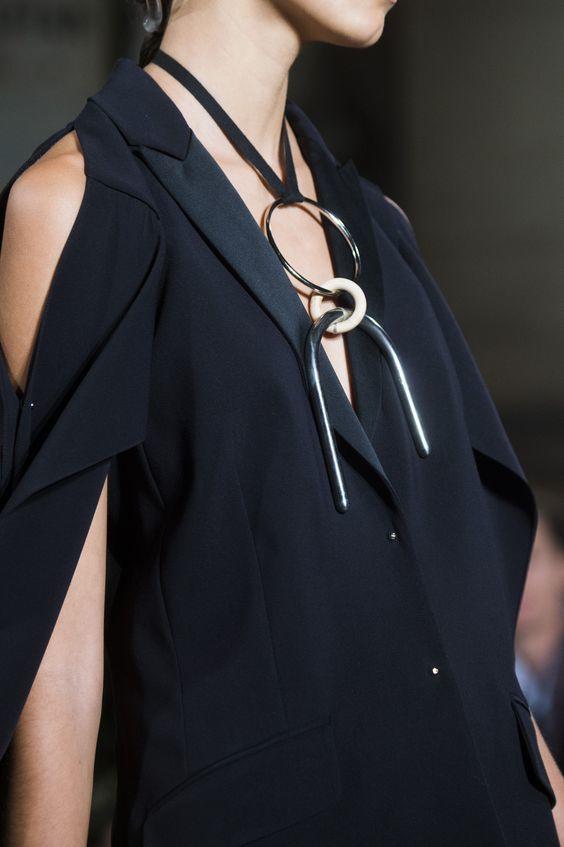 Базовые украшения и аксессуары 2019 модные новинки фото