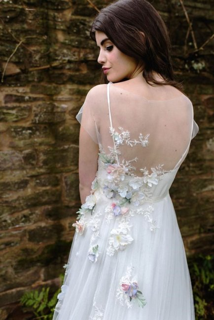 Модные свадебные диадемы 2019 фото роскошных вариантов