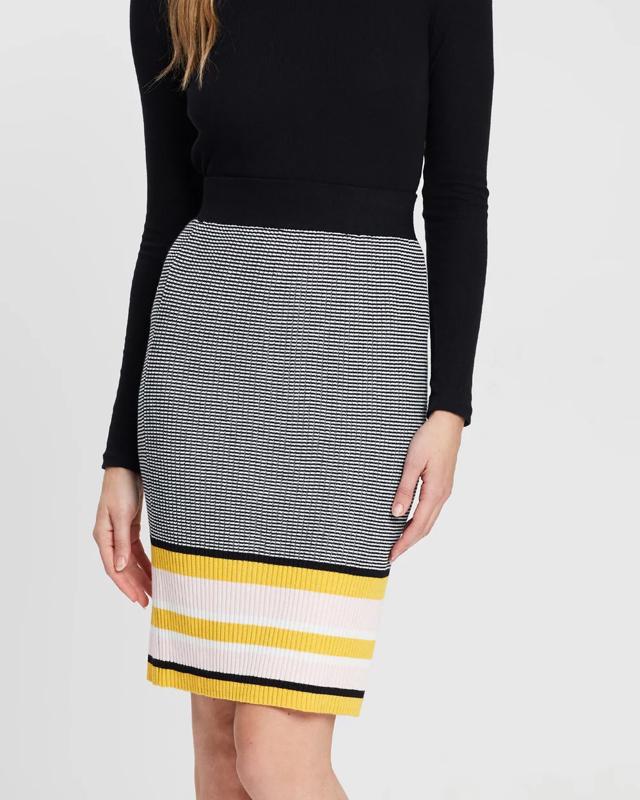 Модные теплые юбки холодного сезона 2019-2020: супер тренды
