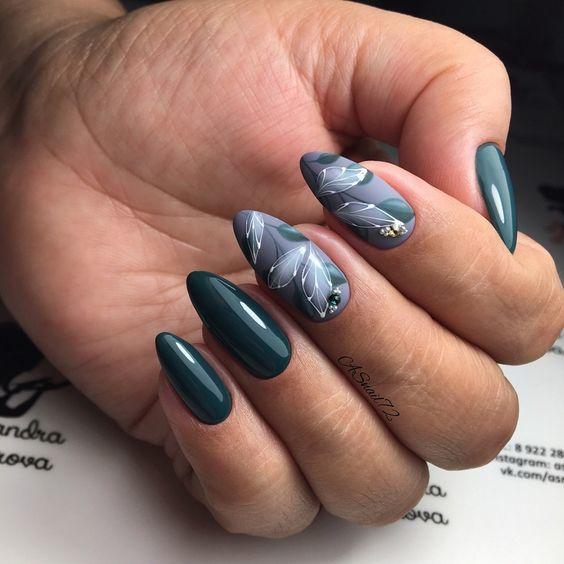 Эффектный лунный маникюр: Лучший дизайн ногтей 2019 фото