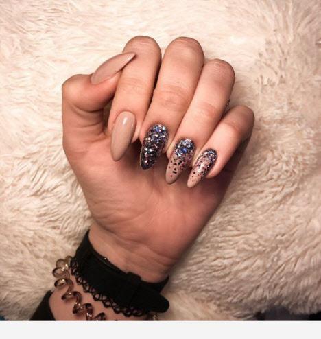 Красивый маникюр на миндалевидные ногти 2020 новинки 66 фото