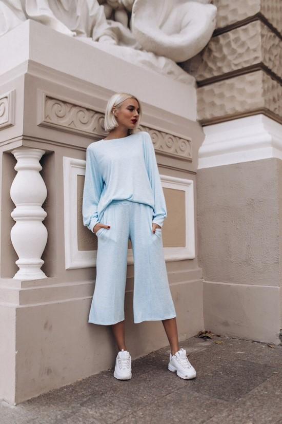 Самые модные брючные костюмы весна-лето 2020: новинки с фото