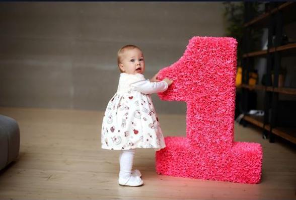 Цифра 1 на годик мальчику, девочке своими руками: фото, идеи