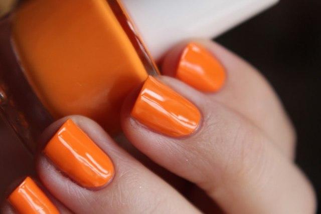 Оранжевый маникюр 2020 фото модные новинки