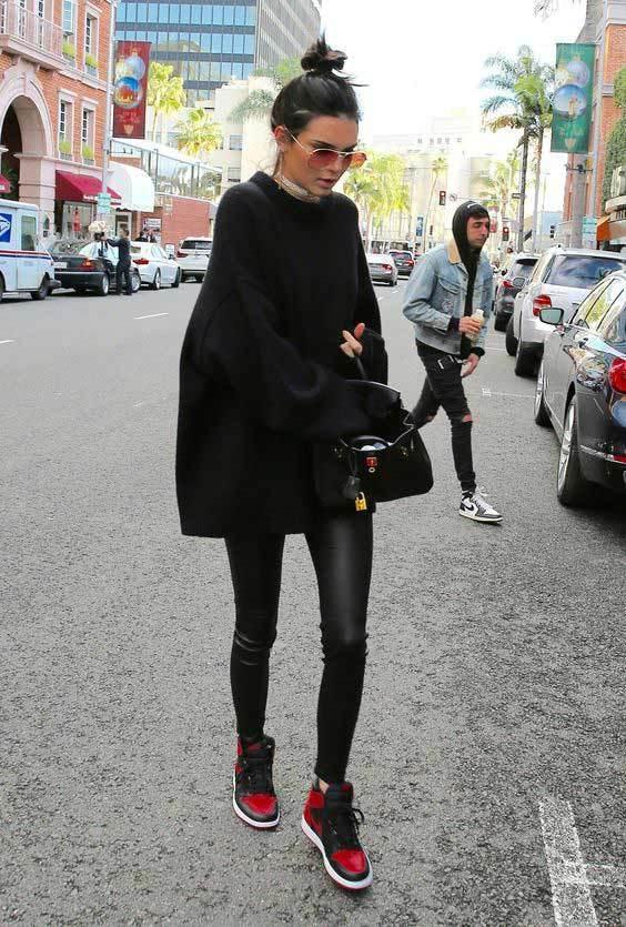 С чем носить кожаные лосины фото 2020 новинки образы