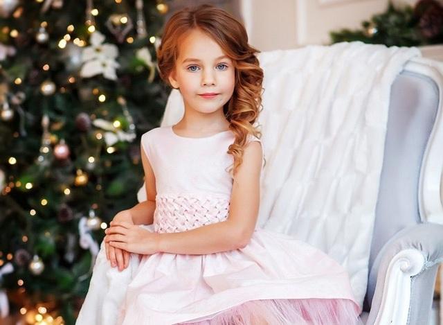 Модные прически для девочек 2020 стильные идеи новинки фото
