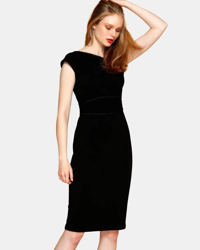 Красивые модные платья к 8 марта 2020 фото тенденции