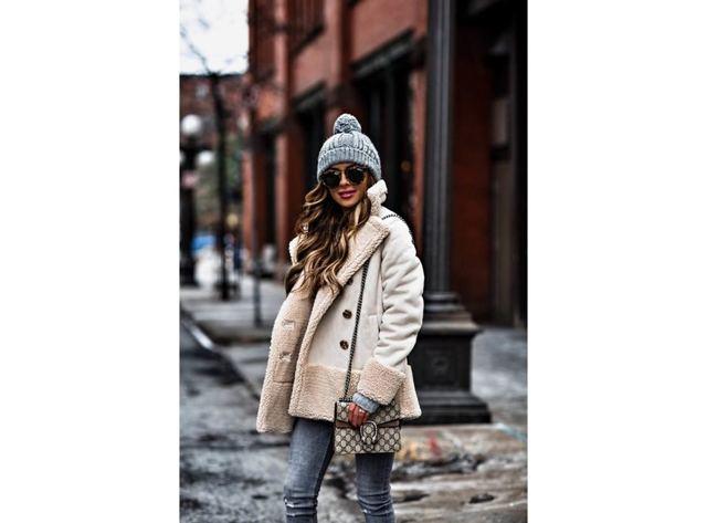 Модные меховые и вязаные шапки осень-зима 2019-2020 фото