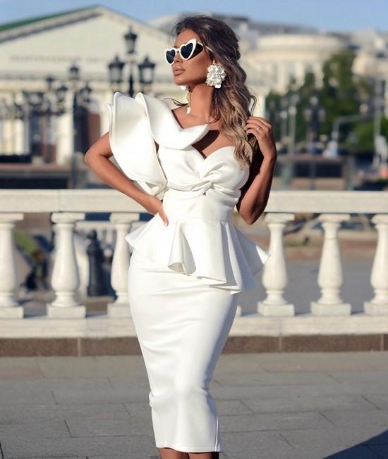 Модные белые платья 2020 новинки тенденции 57 фото